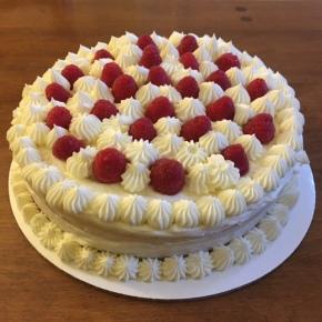 Recipe: Lemon Raspberry Cake with Mascarpone ButtercreamFrosting